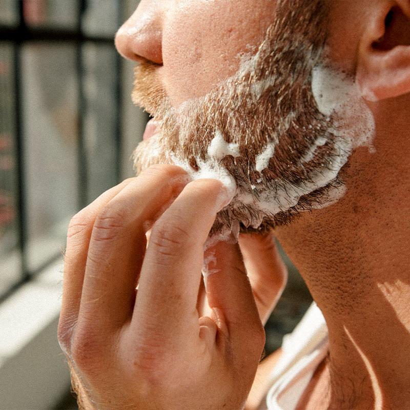 Bartpflege-Routine: Anwendung Festes Bartshampoo – Brooklyn Soap Company