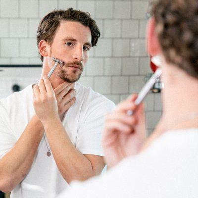 3-Tage-Bart trimmen: Anwendung Rasierhobel