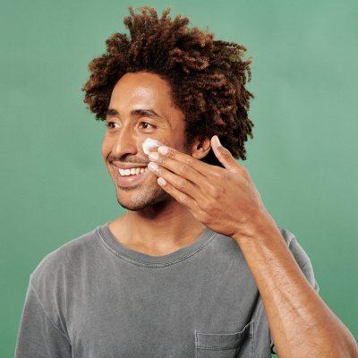 CBD Gesichtscreme Anwendung